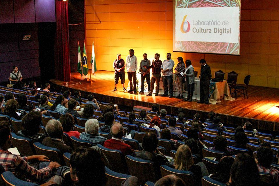 Lançamento do Laboratório de Cultura Digital reuniu ativistas e representantes do poder público para discutir redes